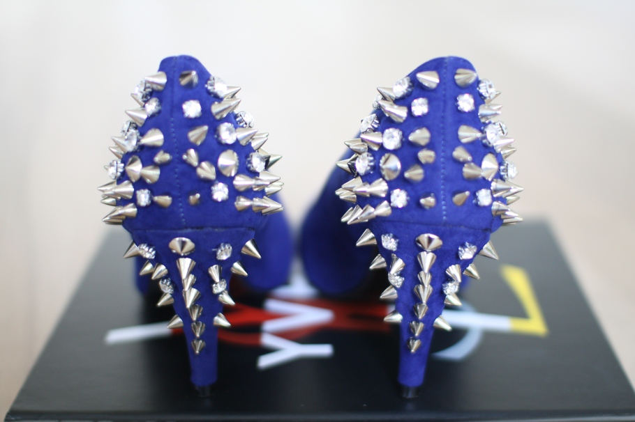 Spike Shoes Blue Tessted
