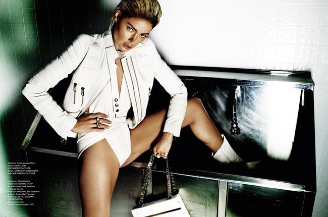 Doutzen Kroes Mario Testino Vogue Brazil 2013 (9)